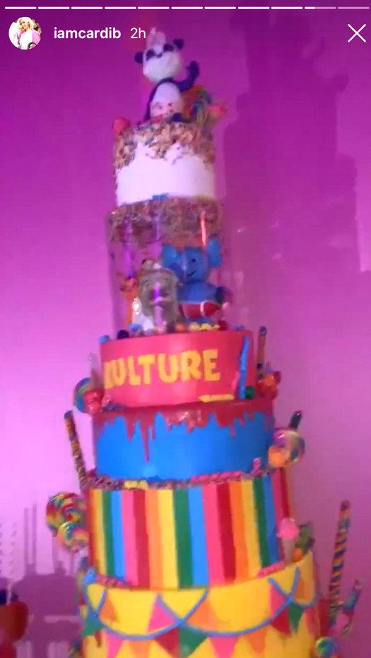cardi-daughter-cake-03.jpg