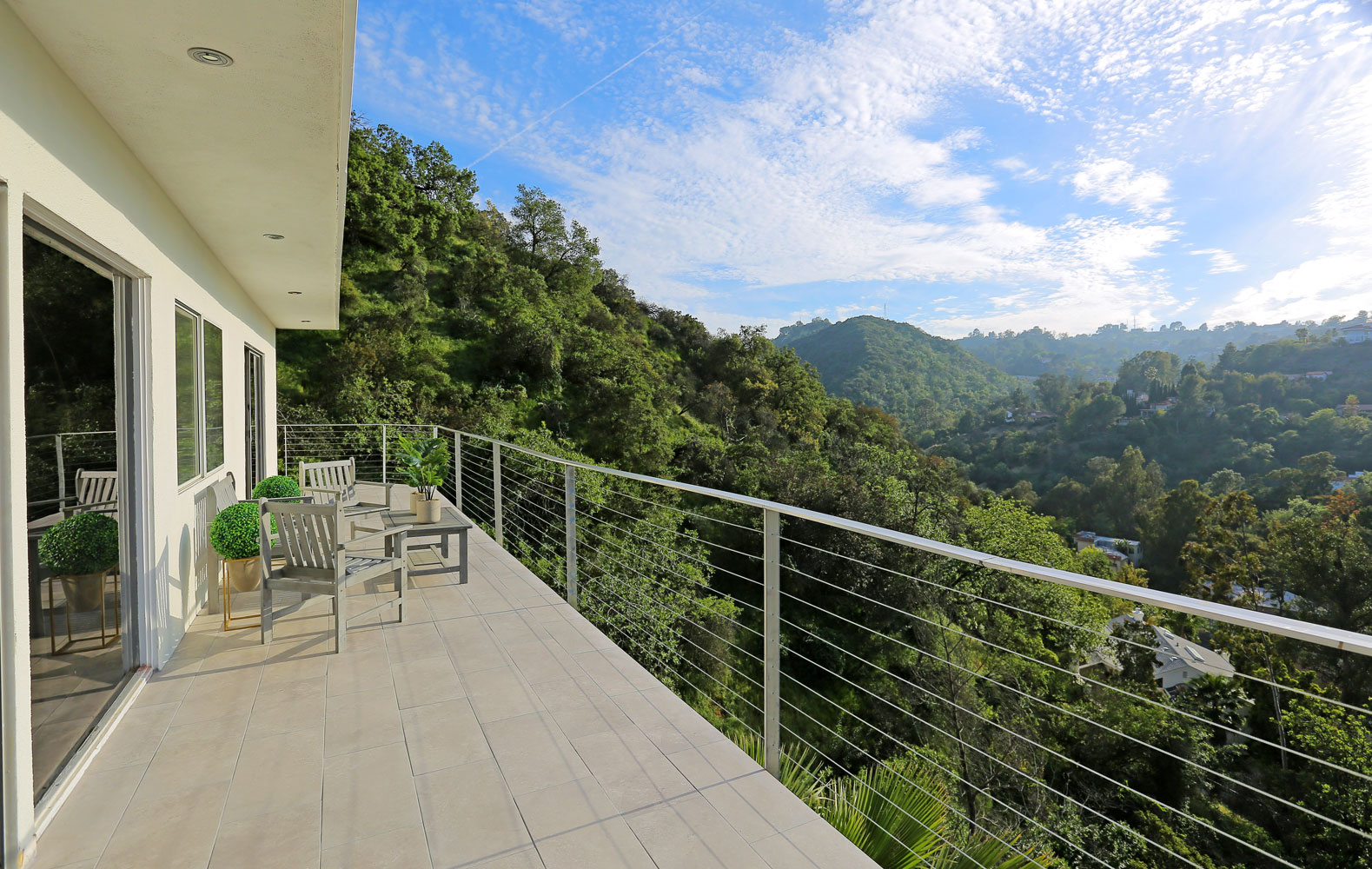 2509 Thames Street - Sunset Strip / Hollywood Hills, 2 bedrooms + 2 bathrooms$1,080,000