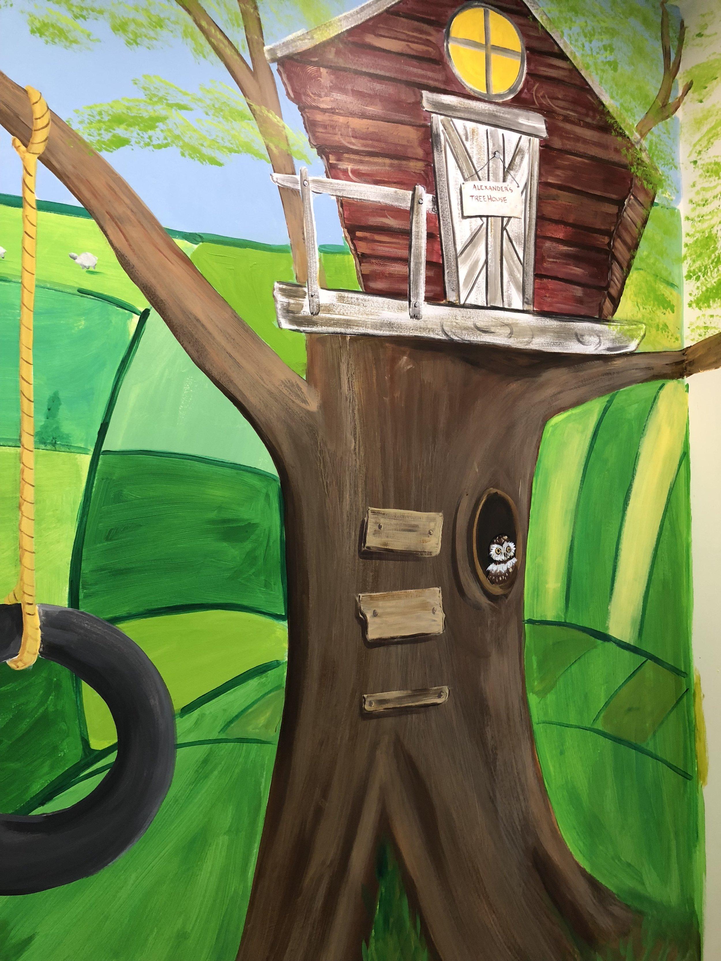 Treehouse nursery mural