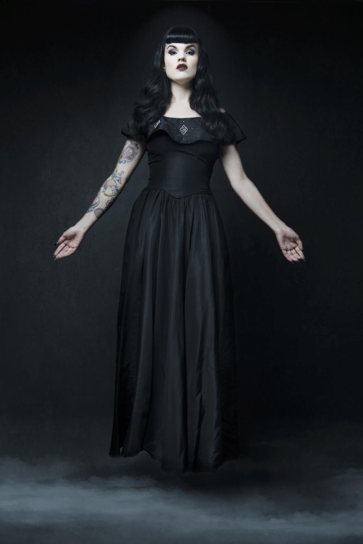 Tamara Tyndall aka The   Sapphire Siren  photo by Ninderry Studio.