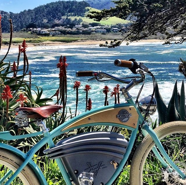 Hop on one of these electric vintage cruise bikes @maddogscarmel this Labor Day WE and tour our breathtaking coastline🚲☀️