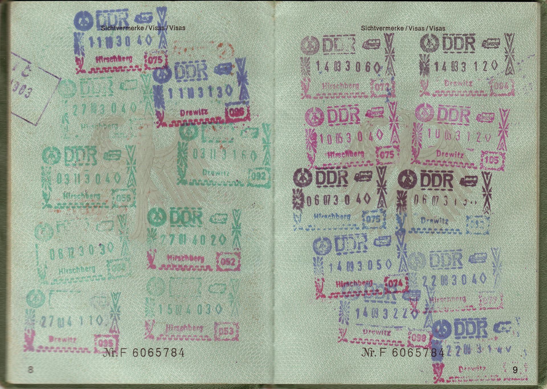 passport-1402644_1920 2018.jpg