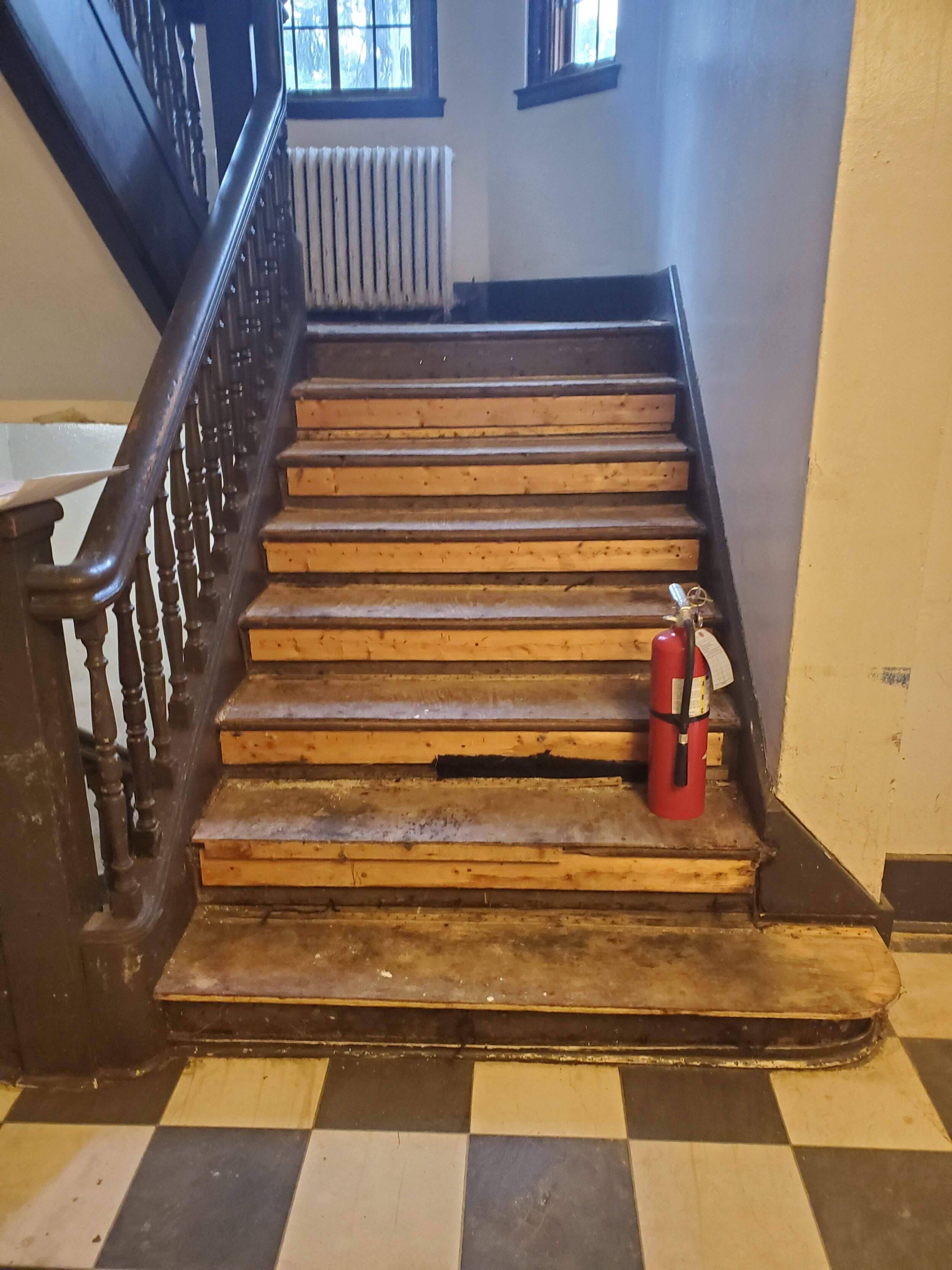 2019 First Floor Front Stair Renovation 20190806_133110.jpg