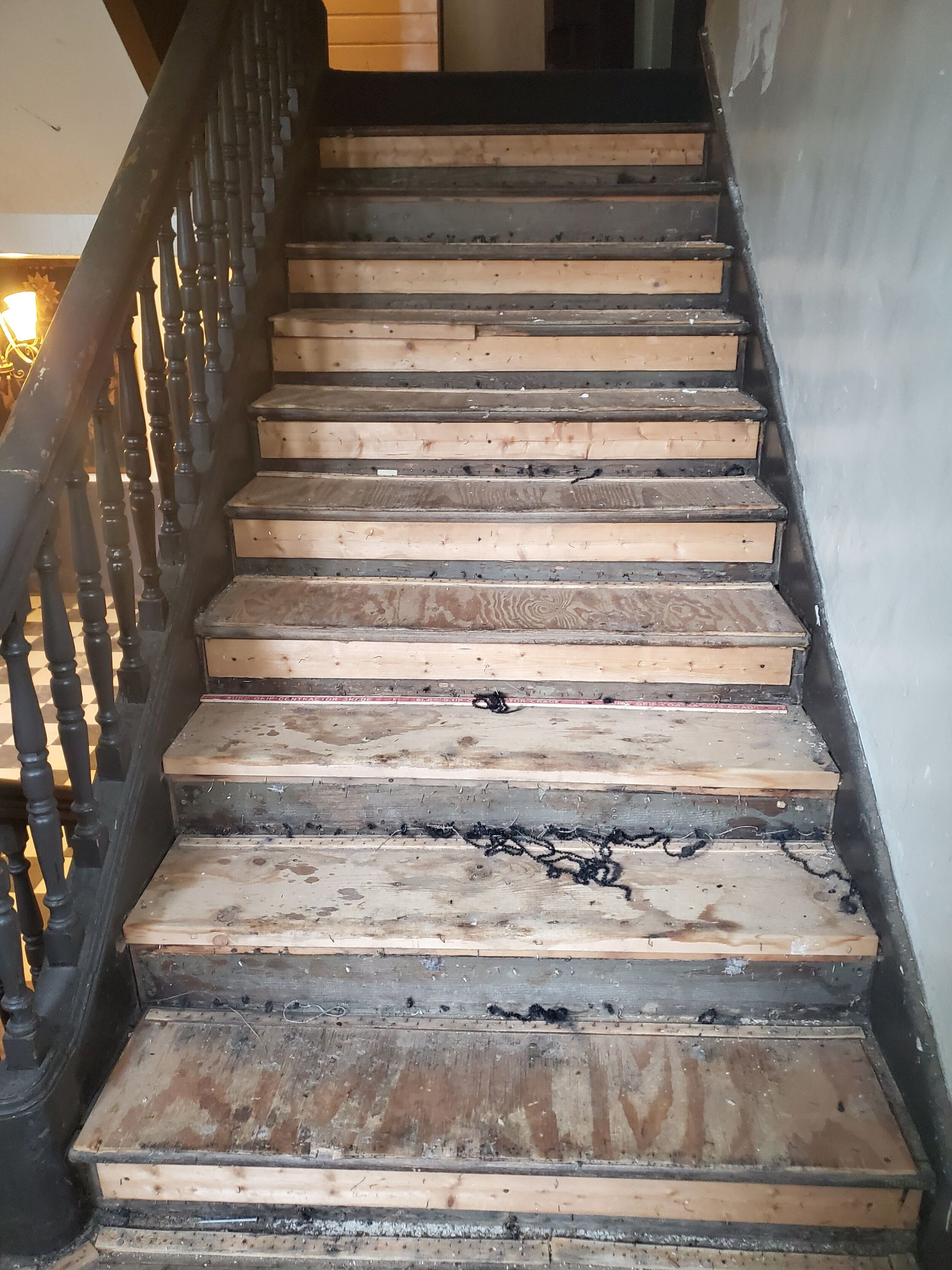 2019 First Floor Front Stair Renovation 20190806_133124.jpg