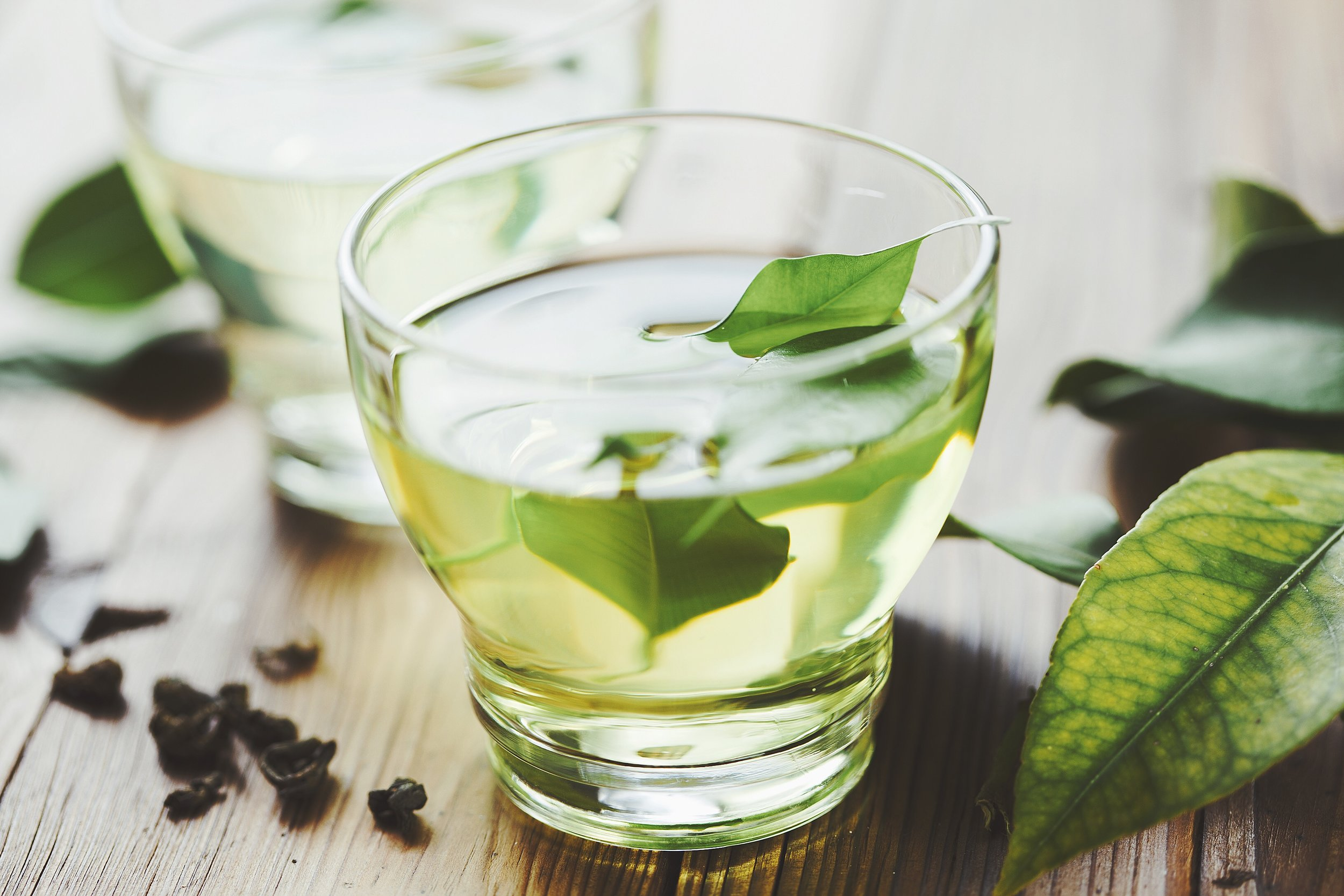 "Green Tea - Many types of green tea, from regular to matcha, yield powerful polyphenols. ""Green tea is rich in flavonoids and indeed epidemiological in vitro, and animal-model studies have associated green tea consumption with health benefits, including decreased risk of inflammation.""22These compounds go beyond inflammation and help battle cancer, too. ""Epidemiological, in vitro, and animal model studies have implicated green tea to be protective against nitroso compound-induced and inflammation-related cancer.""23But green tea's benefits don't stop there. ""Among the health benefits of green tea are: anticarcinogenic, anti-inflammatory, antimicrobial, and antioxidant properties, and benefits in cardiovascular disease and oral health.""24It's no wonder people have been using green tea for so long in traditional medicine."
