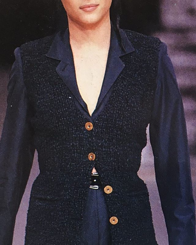 Inspiration of the day : knitted vest on silk shirt, found in a vintage fashion magazine, forgot the designer's name 😑 . . . #slowfashion #sustainableclothing #ethicalfashion #ethicallymade #greenfashion #vintageclothing #vintagefashion #slowlife #ecoconscious