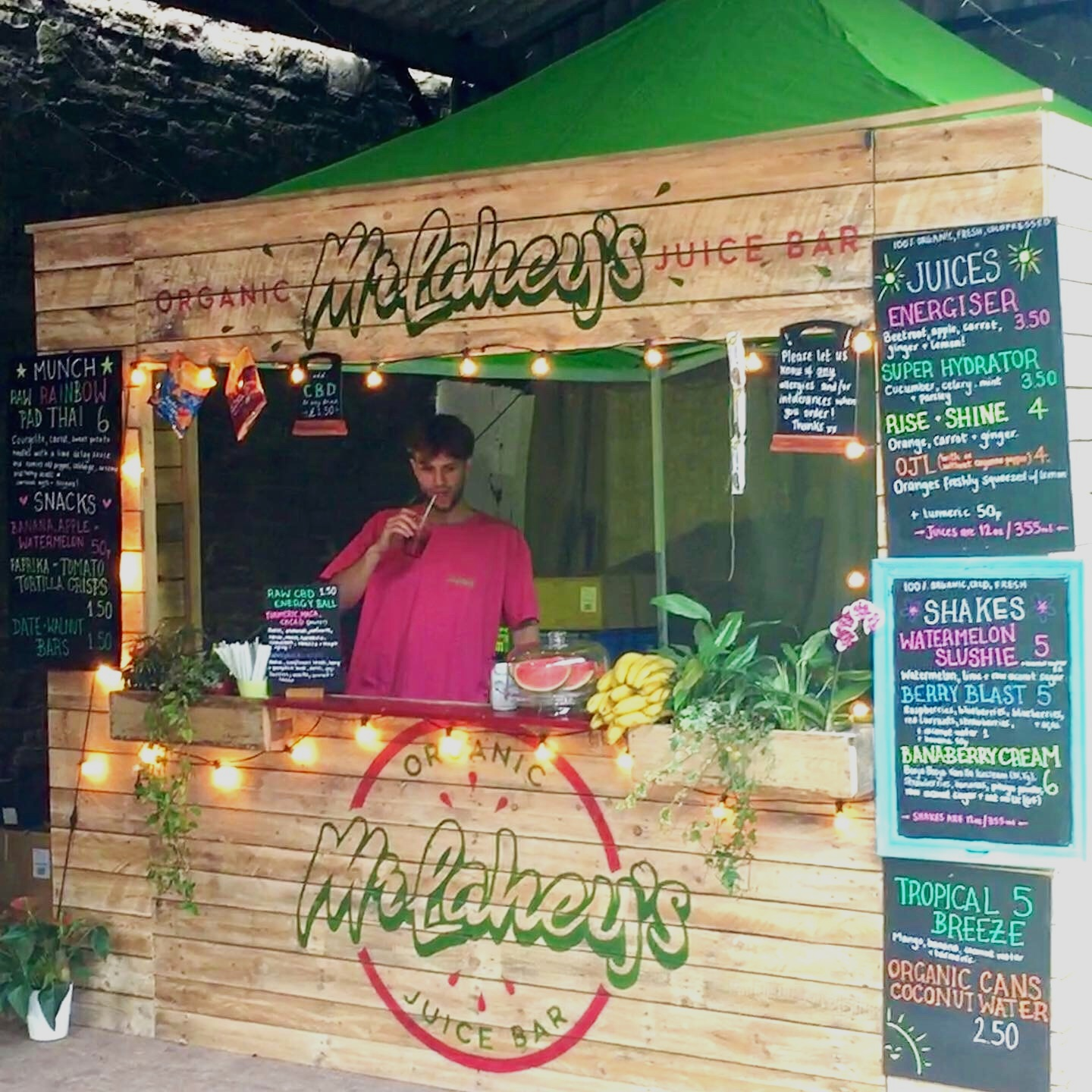 Events - We are open for bookings! We can pop up anywhere and dish out our delicious juices to the masses. Any questions or queries please contact us below.