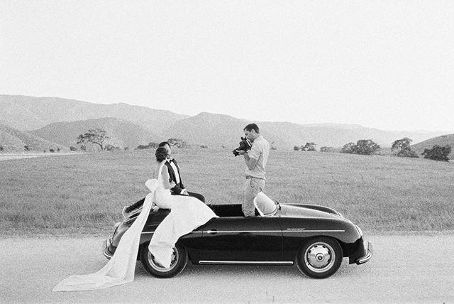 Katie & Mike @kestrelpark @davia_lee @jenhuangphoto #weddingcar #porschespeedster #classicwedding #classiccars #speedster #classicspeedster