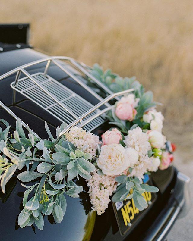 for a romantic escape... garland compliments of @afloral #peonygarland #speedster #sbspeedster #santabarbaraspeedster #porschespeedster #vintagespeedster #vintagecar #weddingcar