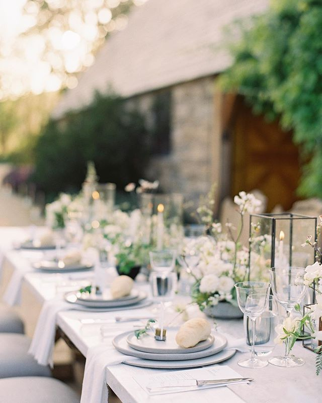 One of our favorite places to dine al fresco... the #santabarbaraspeedster displayed gifts for guests of @jenhuangphoto at this impeccable gathering of the minds at Kestrel Park... featuring @kestrelpark @chialimengartistry @davia_lee @sidecarcocktailco @theark_ @foundrentals @camelliafloraldesign @thefloralsociety @heirloombindery @silkandwillow @bellabelleshoes  @fieldtotableevents @atelierelise #kestrelparkwedding #jenhuang #santabarbarawedding  #porschespeedster published on @weddingsparrow
