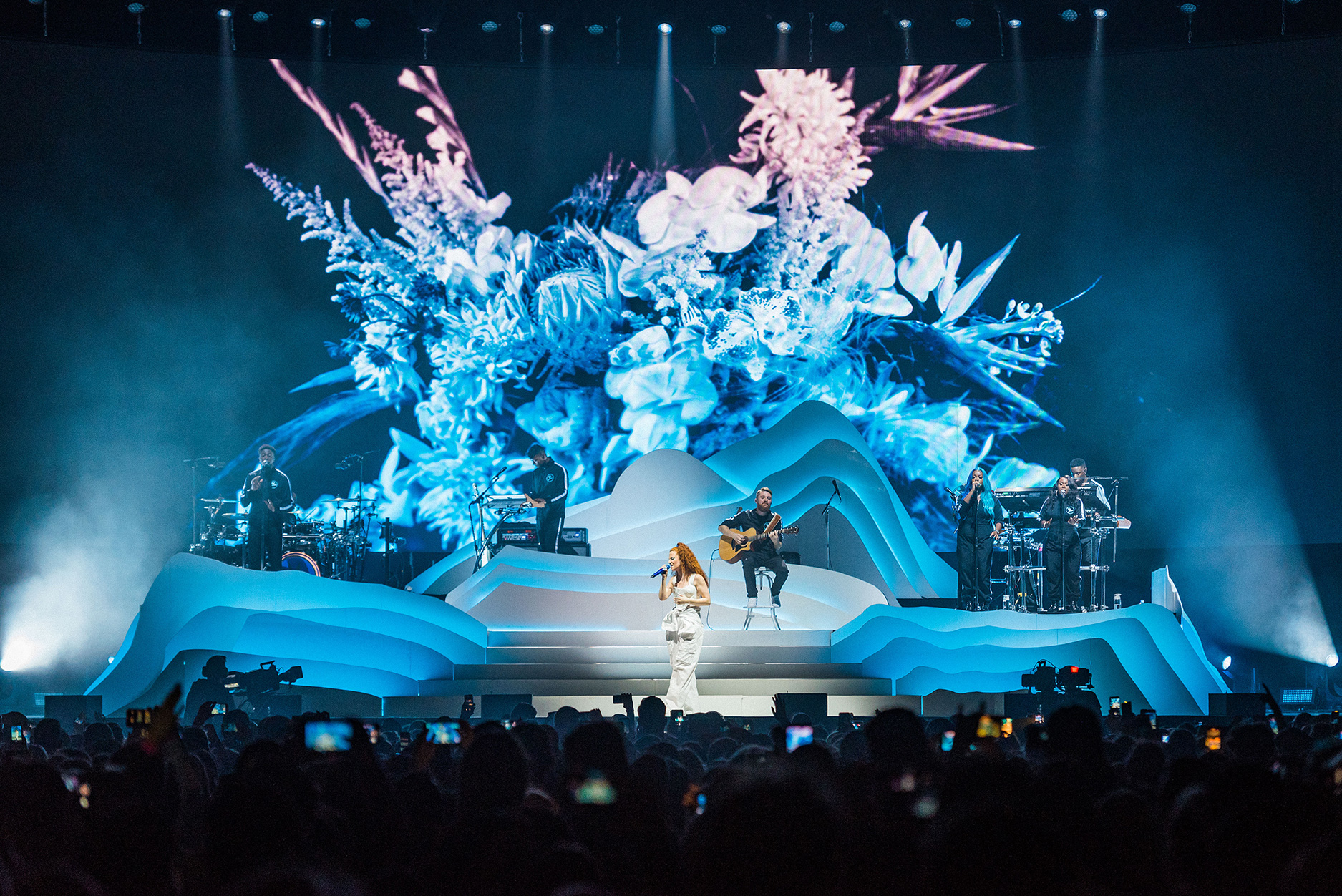 fray-studio-video-design-video-live-music-adam-young-jess-glynne-always-in-between-10.jpg