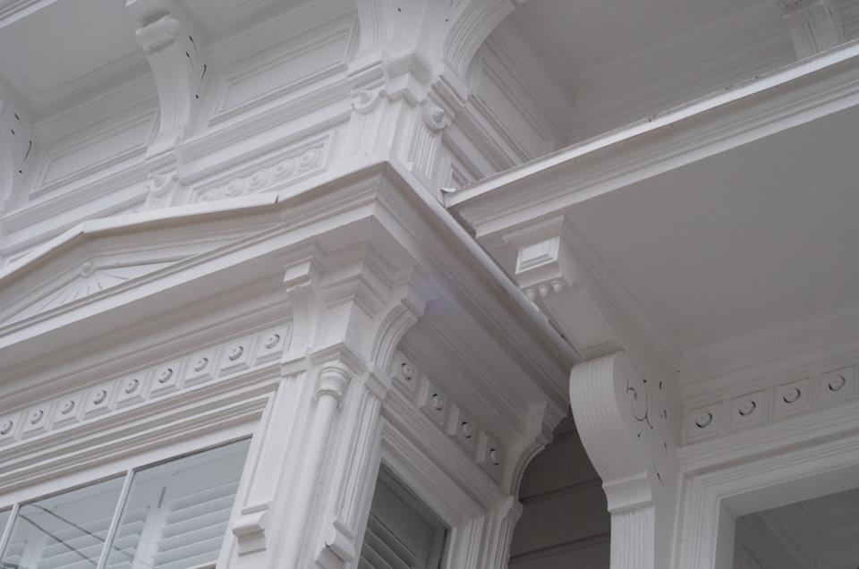 white-victorian.jpg