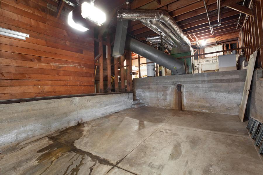 720Sanchez garage