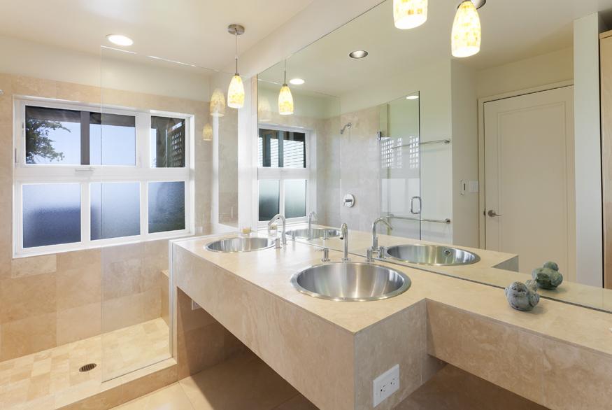675GrandView-Bath.jpg