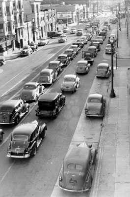 Yes there was always traffic - Folsom @ 8th St. 1944