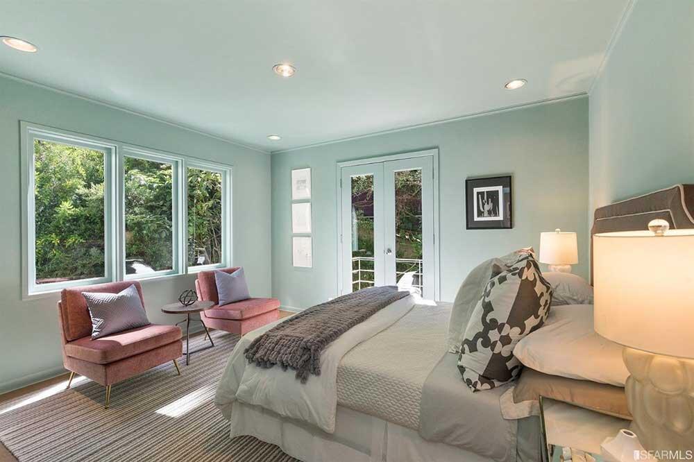 Upstairs-guest-bedroom.jpg