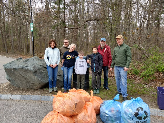 Cleanup 2019_04_28 Volunteers copy.jpeg