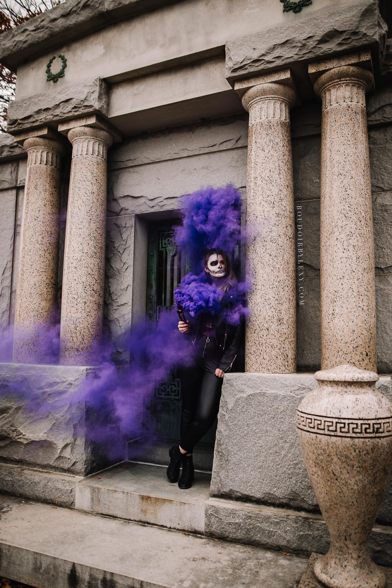 SMOKE BOMB BOUDOIR SPOOKY BOUDOIR BY LEXY CEDAR FALLS IOWA-8.jpg