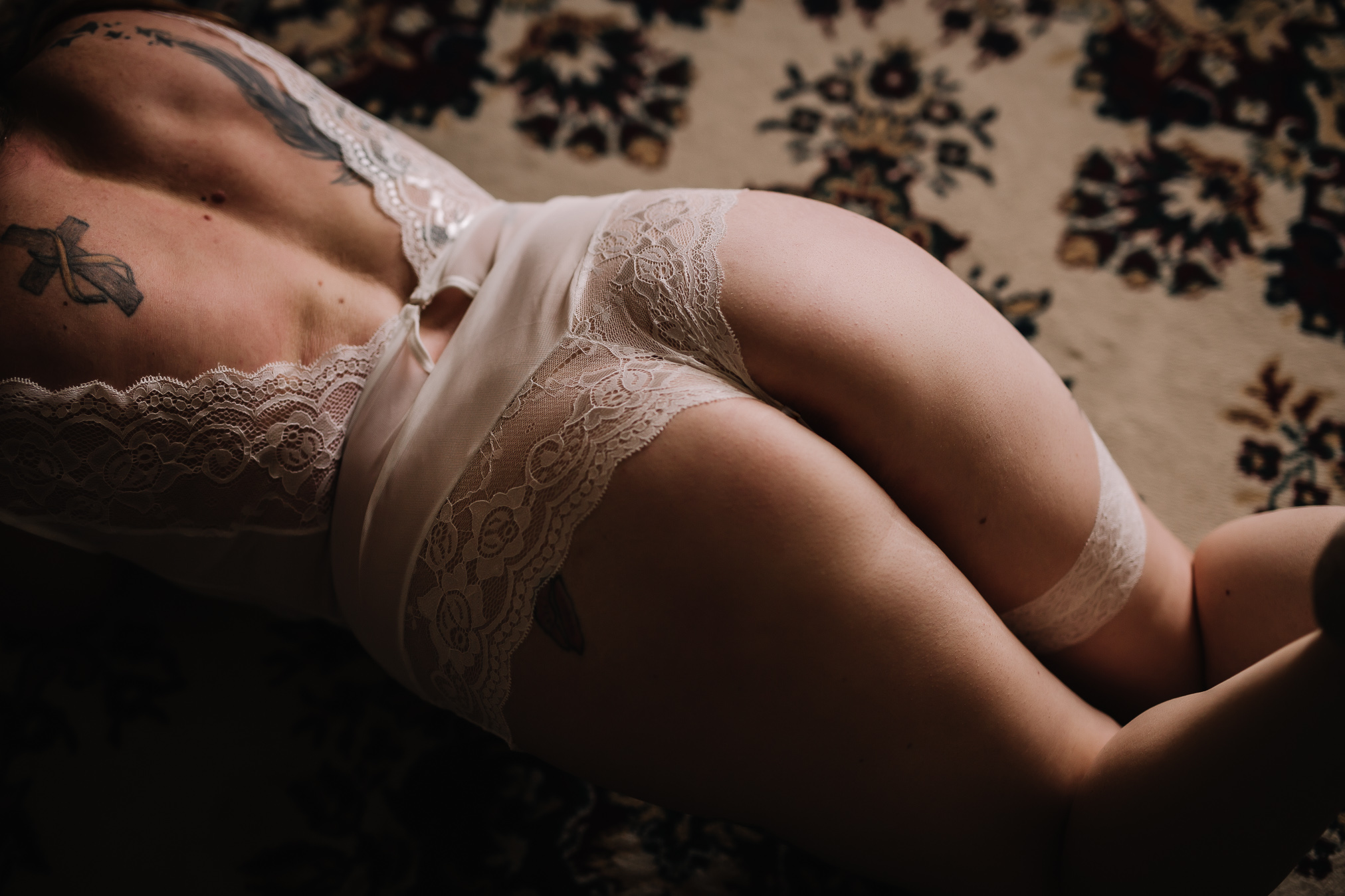 BRIDAL BOUDOIR SESSION BOUDOIR BY LEXY CEDAR FALLS IOWA-16.jpg