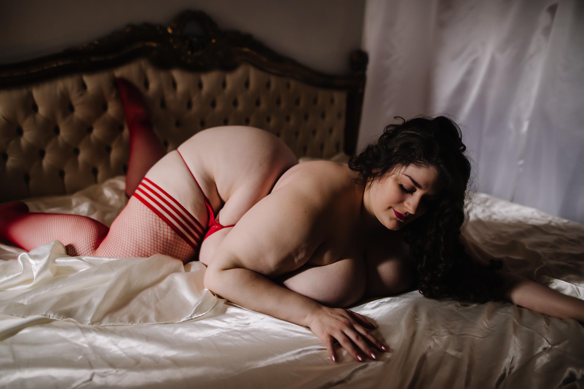 CATRINA SHERO - BOUDOIR BY LEXY - CEDAR FALLS IOWA-31.jpg