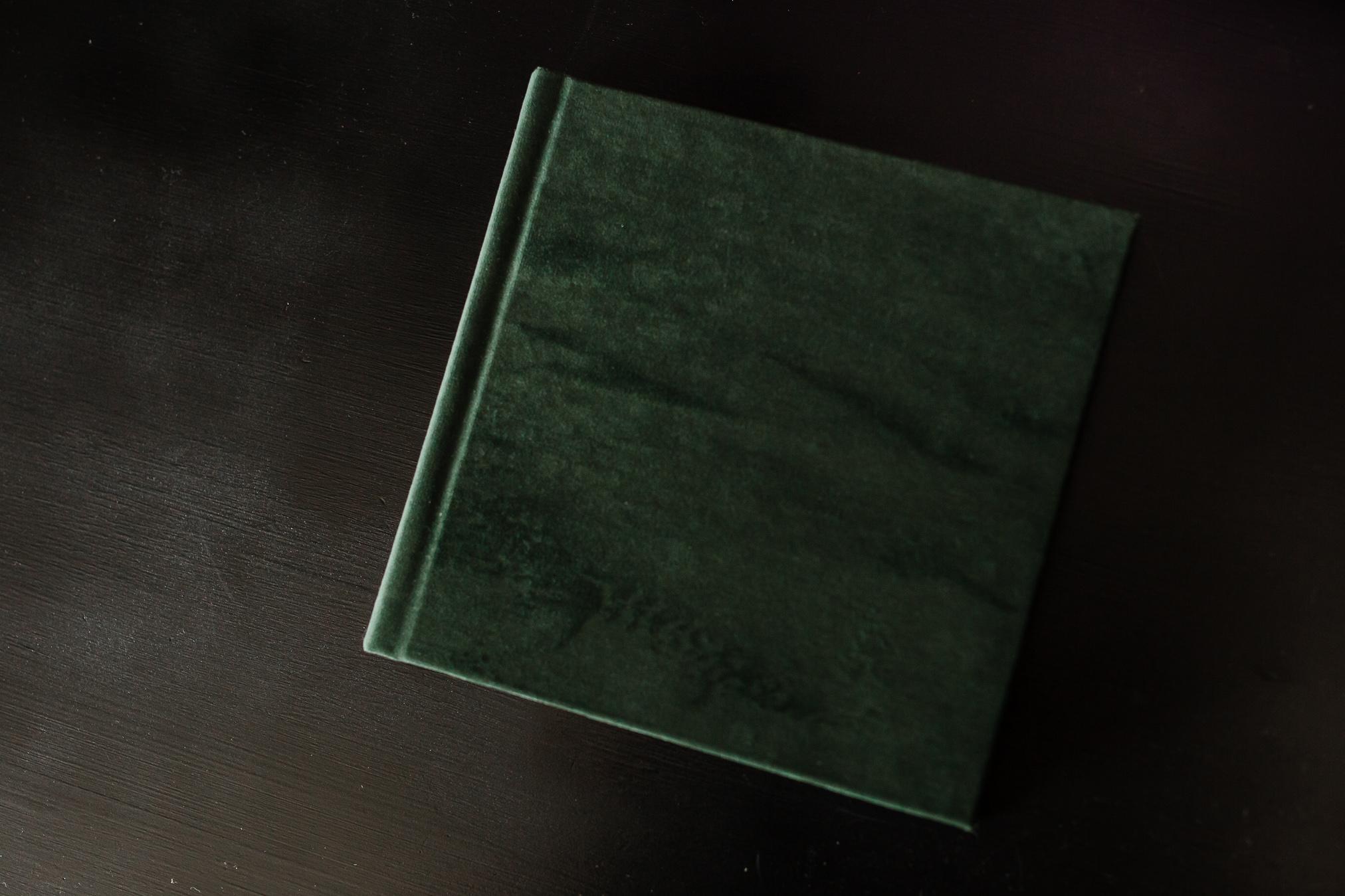 VELVET COVER ALBUM WITH CALENDAR BOUDOIR BY LEXY-4.jpg
