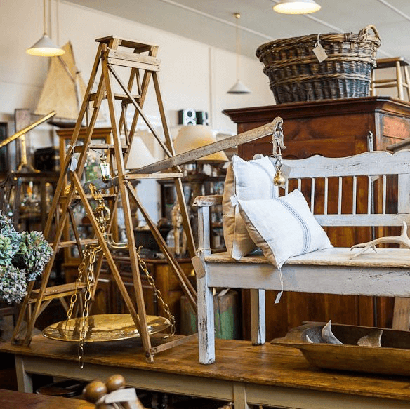 Antiques Shopping - Antique shopping in the many spots in New Norfolk. From upmarket to down right quirky.