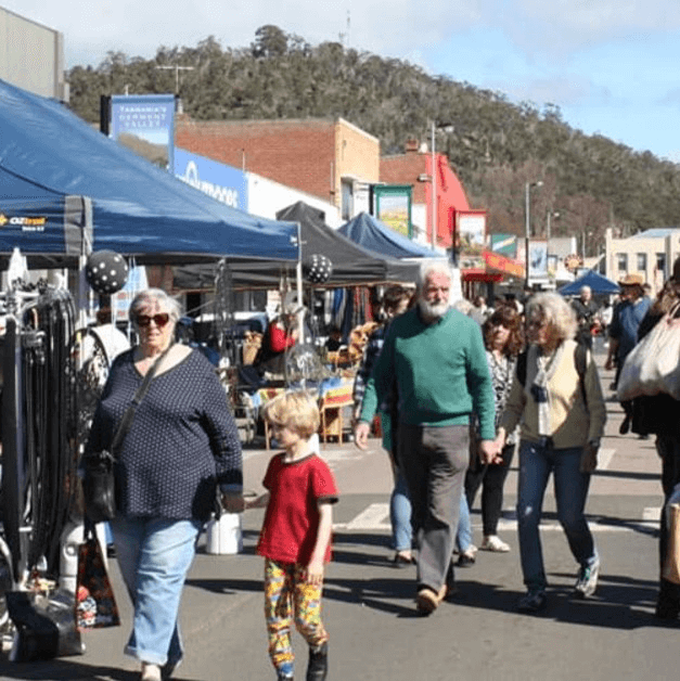 New Norfolk Market - The New Norfolk Market is held each Saturday in High Street, New Norfolk between 8am and 2pm. Heaps of free parking available in Laskeys Car Park and just walk through to the market. Local produce, food stalls, artisan breads, bricabrac, plants and more!
