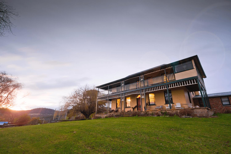 Stanton Farmhouse | Hobart Accommodation | Farm Stay Tasmania