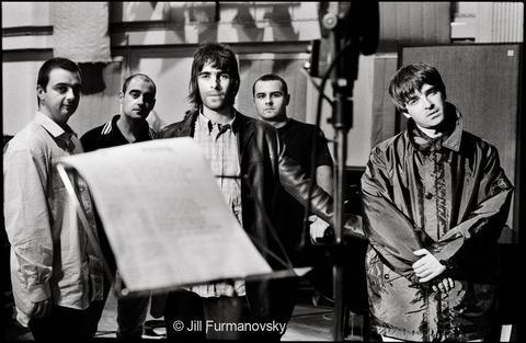 Oasis_Abbey_Road_1996_by_Jill_Furmanovsky_large.jpg