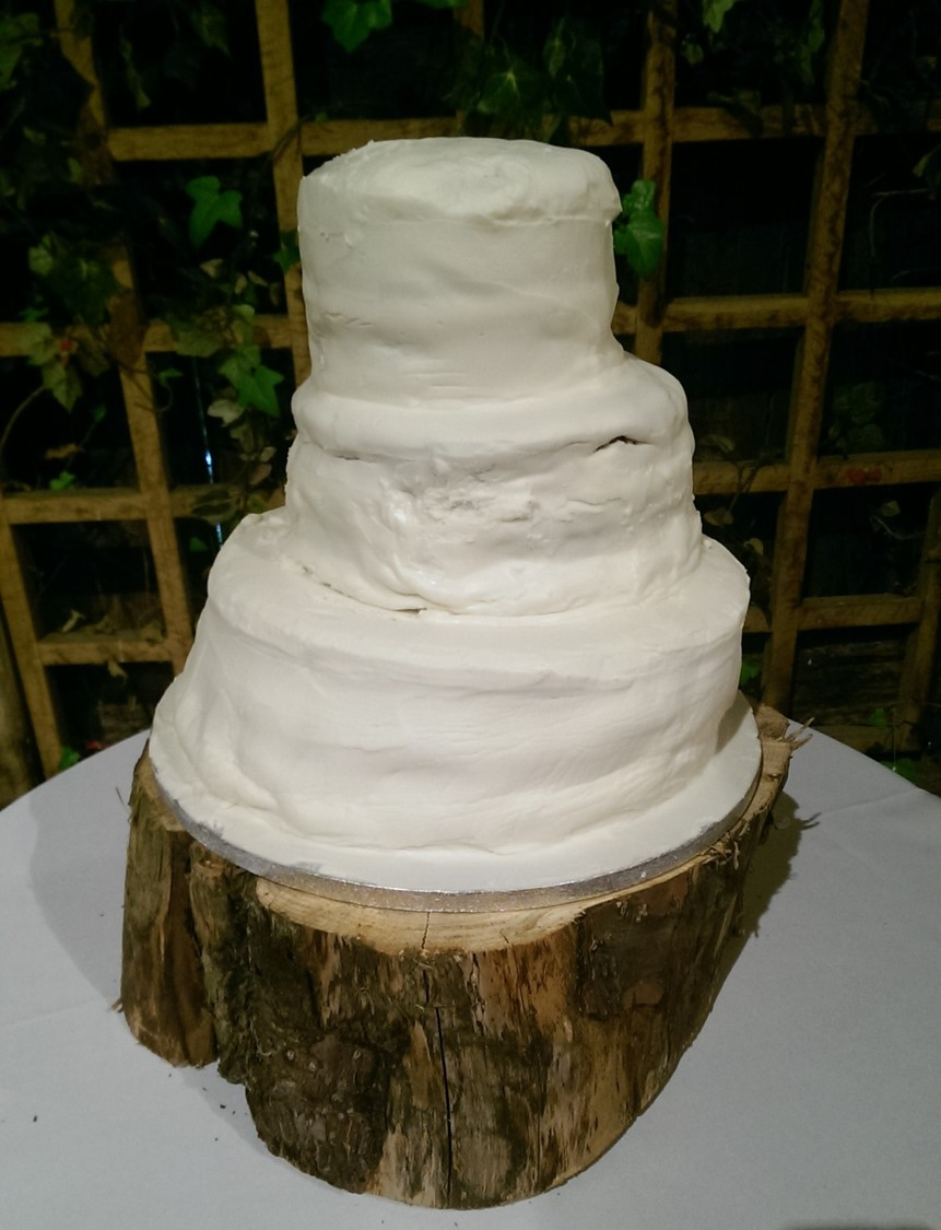 Make Your Own Wedding Cakes.5 Reasons Why You Should Not Make Your Own Wedding Cake