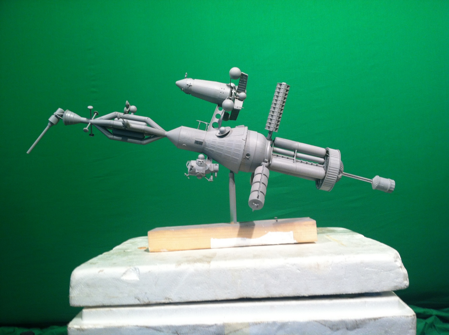 "Sculpture used in ""Voyage of the Galactic Space Dangler"". Image courtesy of the artist."