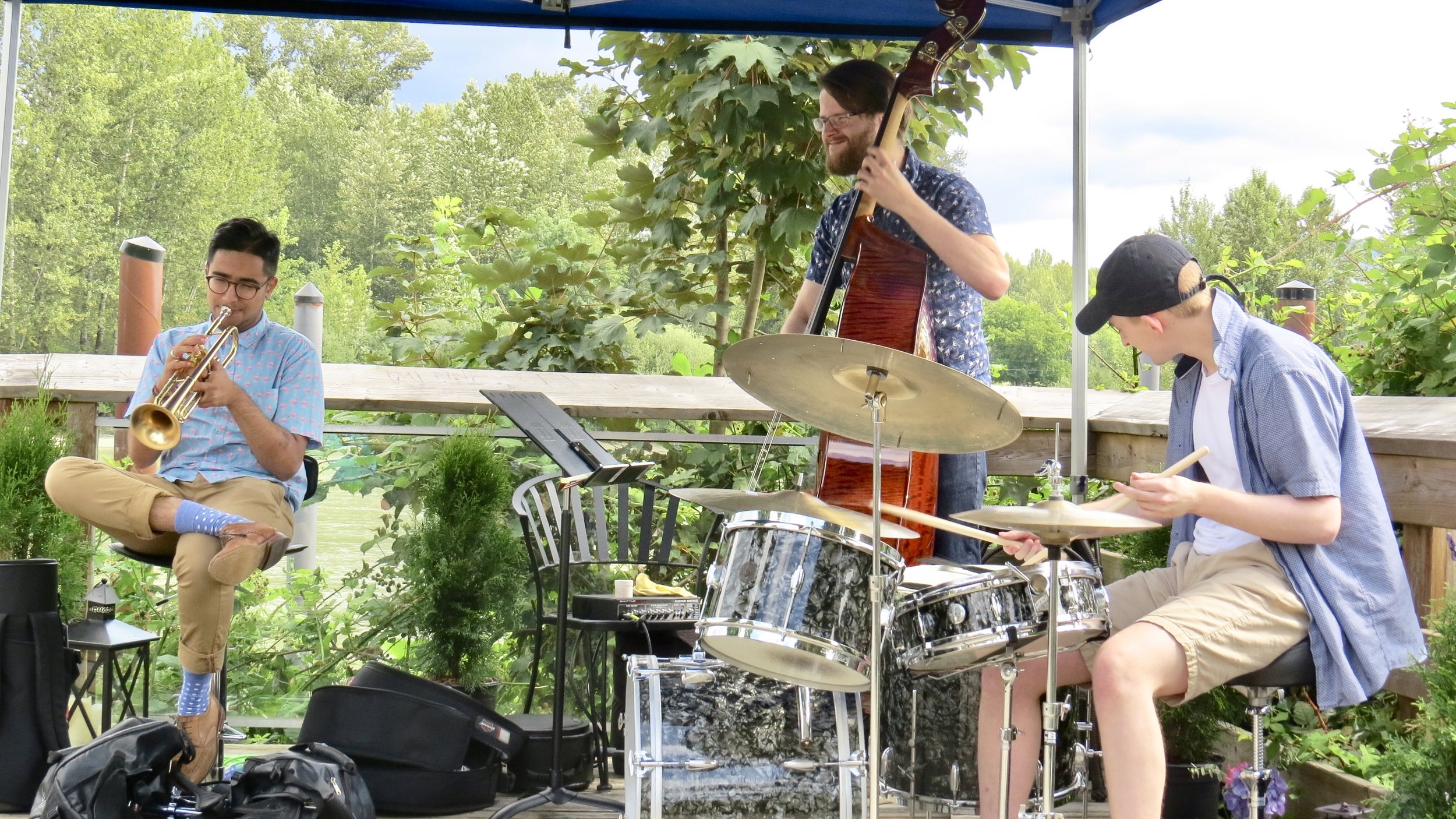 The Ilhan Safereli Trio