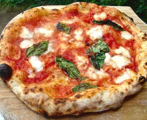https---cositutti.files.wordpress.com-2012-07-pizza_margherita.jpg