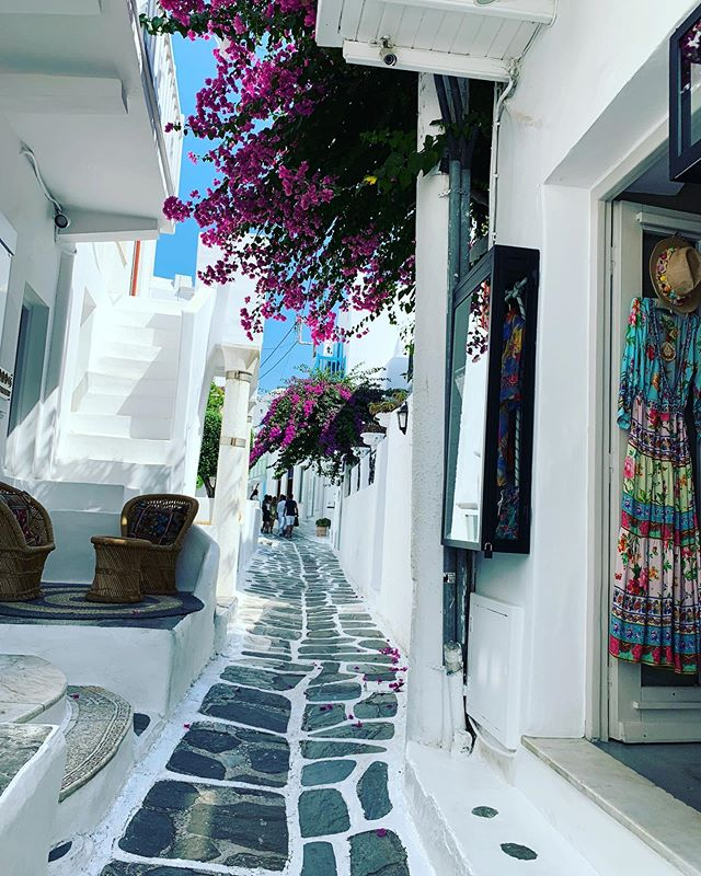 The streets and alleys of Mykonos, Greece! Lovely town! #mykonos #greece #travel #greek #cruise #alley #streets #beautifuldestinations #goexplore #wanderlust