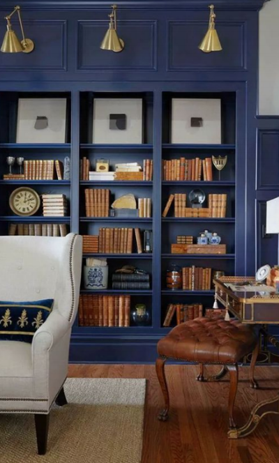 (look how amazing brown leather looks with navy!)