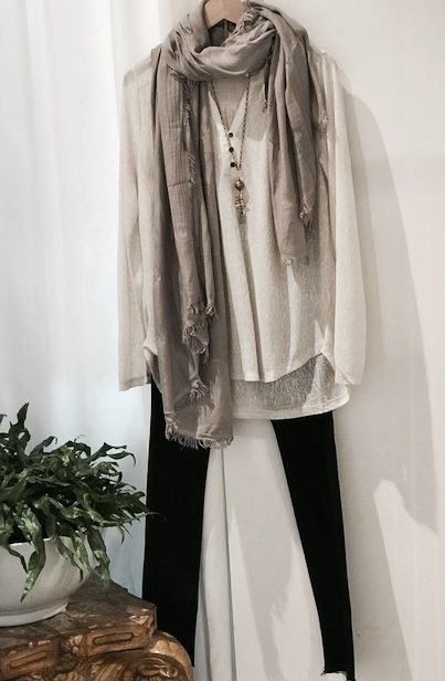 women's scarf outfit