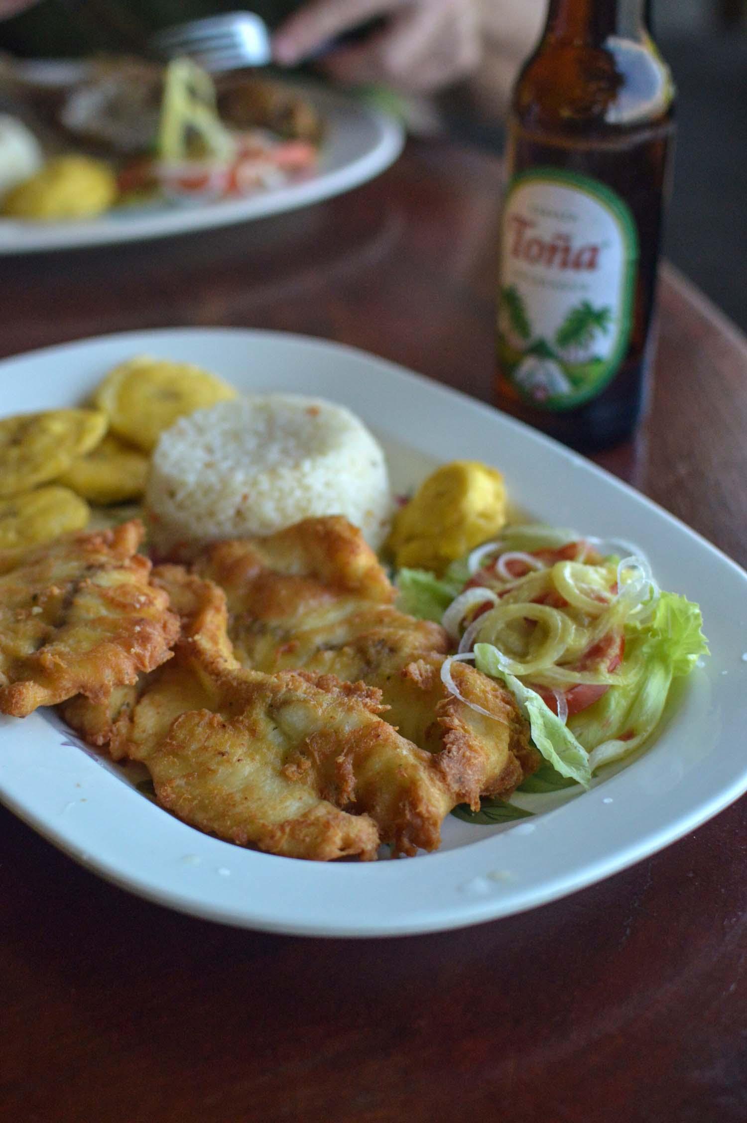 21-comedor-mirador-del-cocibolca-isla-de-ometepe.jpg