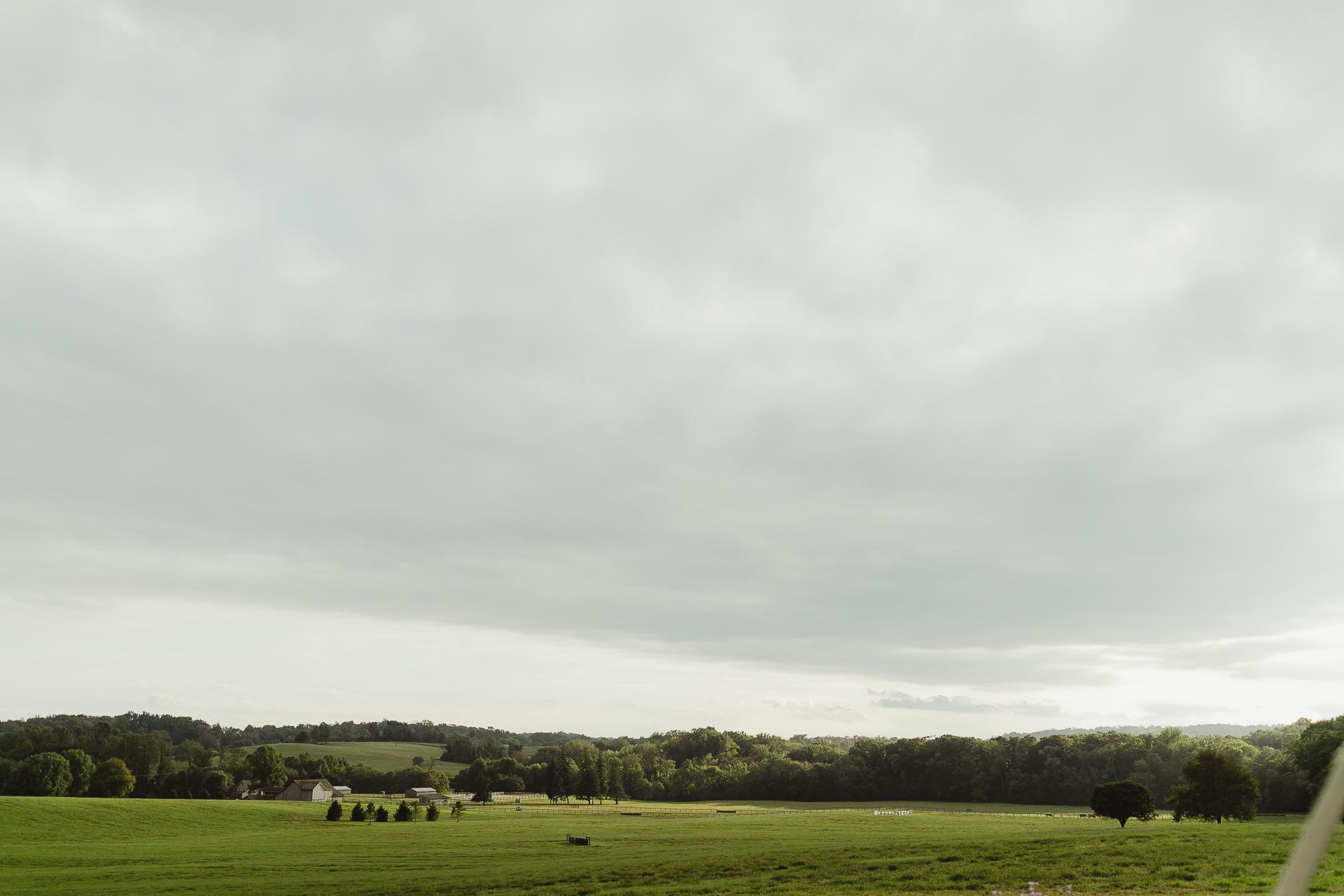 JillDeVriesPhotography-FarmWedding-88.jpg