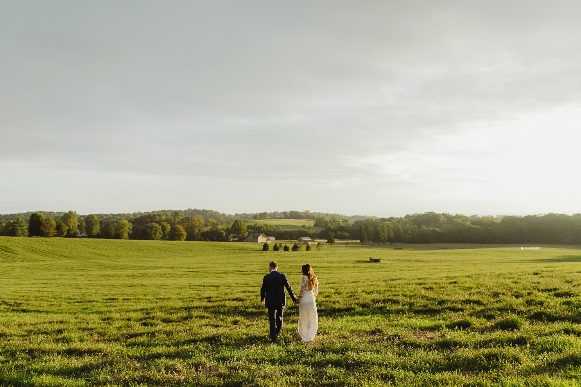 JillDeVriesPhotography-FarmWedding-110.jpg