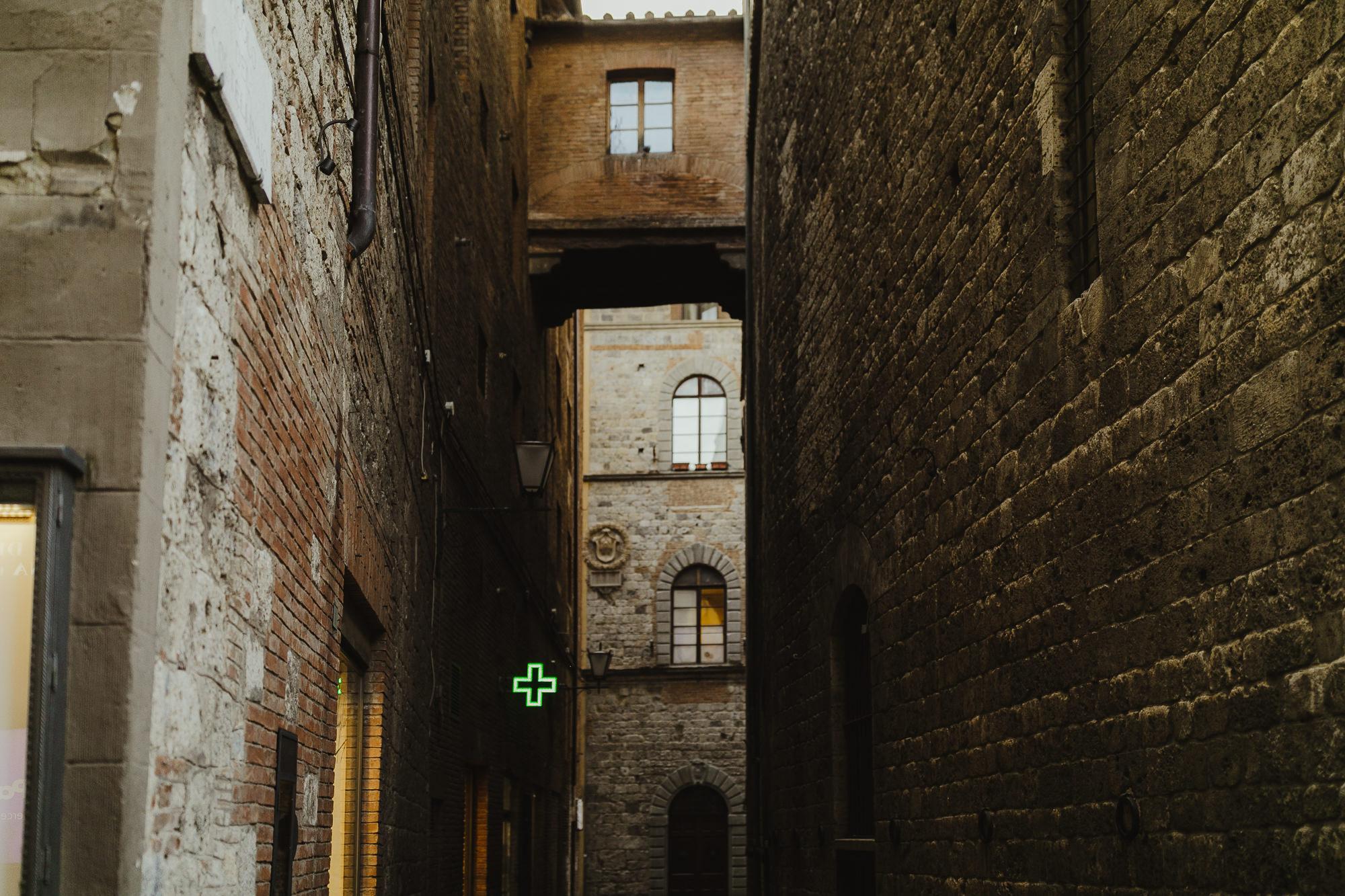 TuscanyWeddingPhotographer-8.jpg