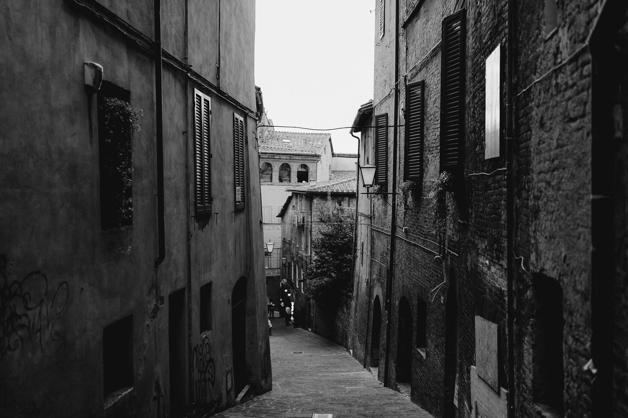 TuscanyWeddingPhotographer-20.jpg