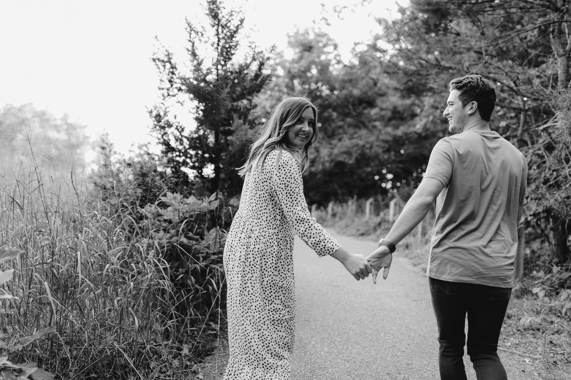 JillDeVriesPhotography-LakeMichiganEngagement-9.jpg