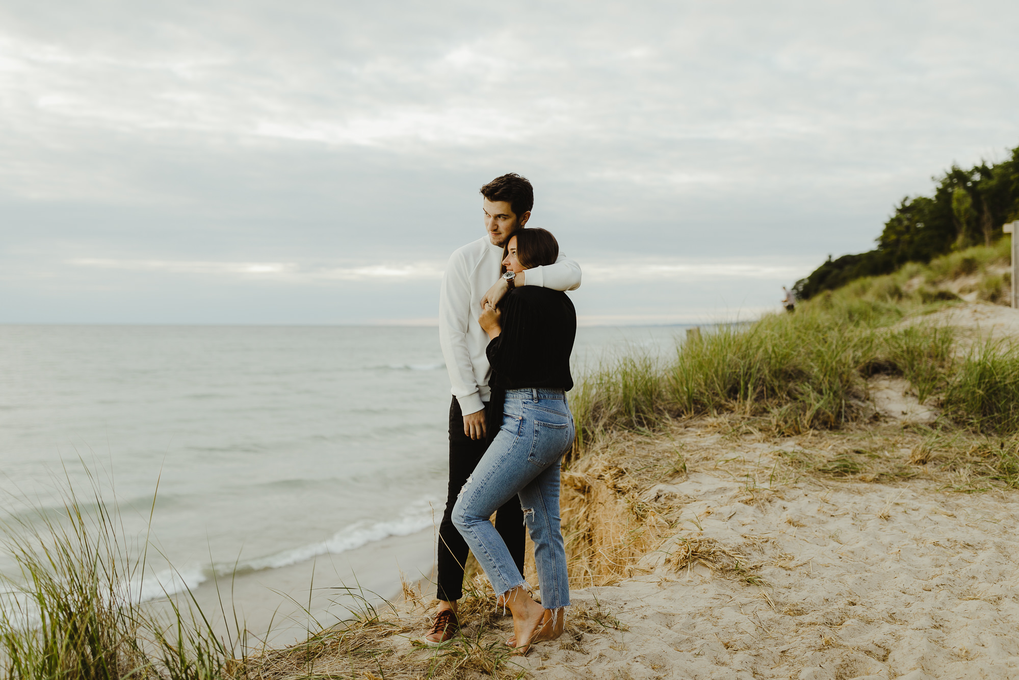 JillDeVriesPhotography-LakeMichiganEngagement-21.jpg
