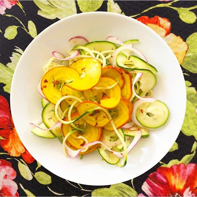 Spiraling outta control? Ribbon spirals of zucchini, golden beets, and red onion #salad #bizarreobsessionwithorange🍊 #christo4masonfood #christo4masonphotography📸