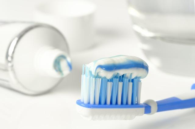 toothpaste-3067569_640.jpg