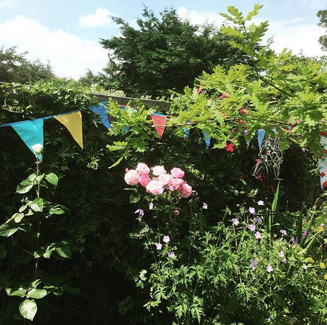 The icing on the cake - birthday bunting in the garden and a picnic in the sun. What a beautiful weekend filled with beautiful people. Thank you for making it so special 🙏🏻💗🍓