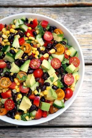 resized_cucumber_black_bean_corn_tomato_and_avoc_20161106130740348696pgy.jpg