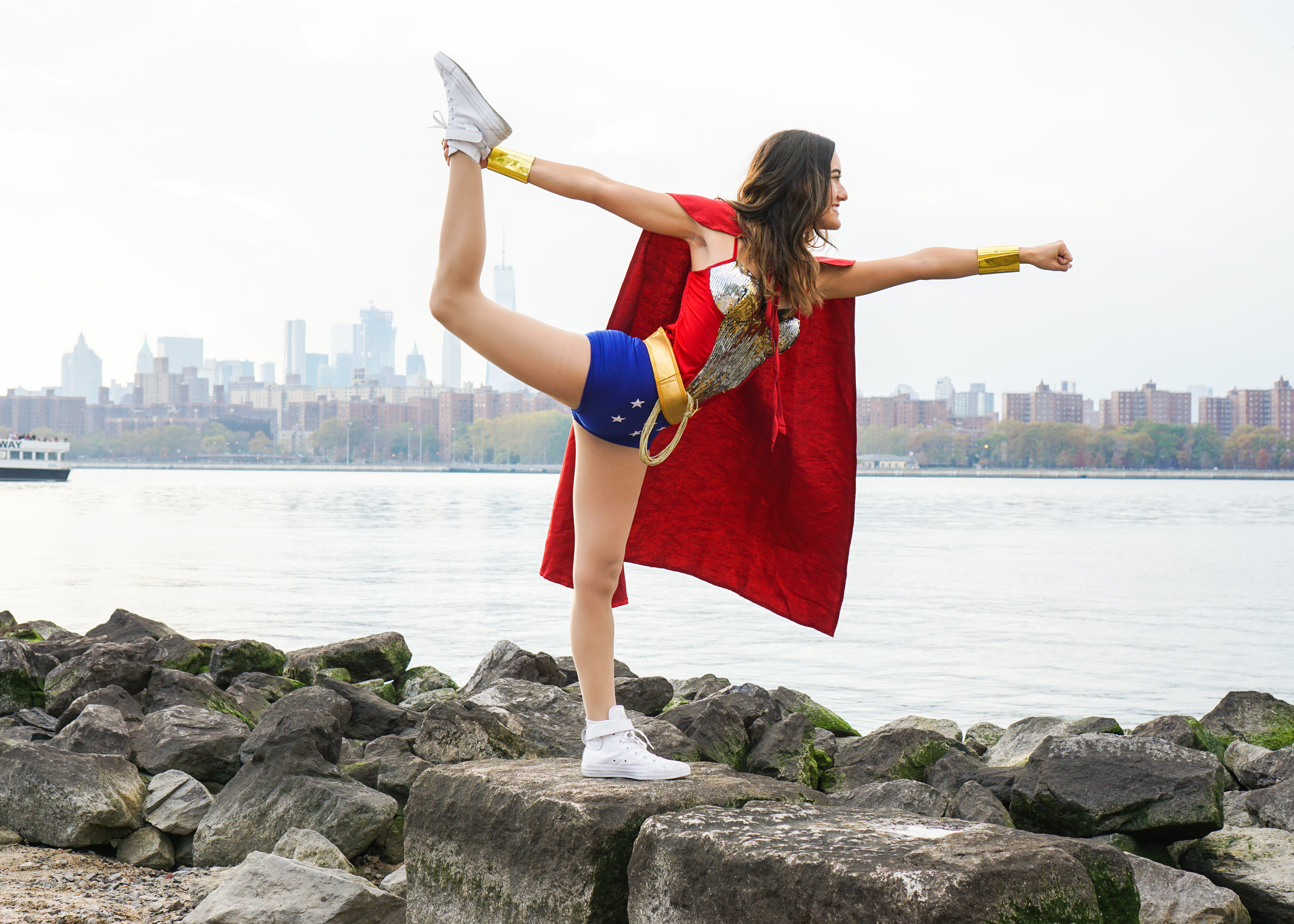 halloween_wonderwoman_yoga