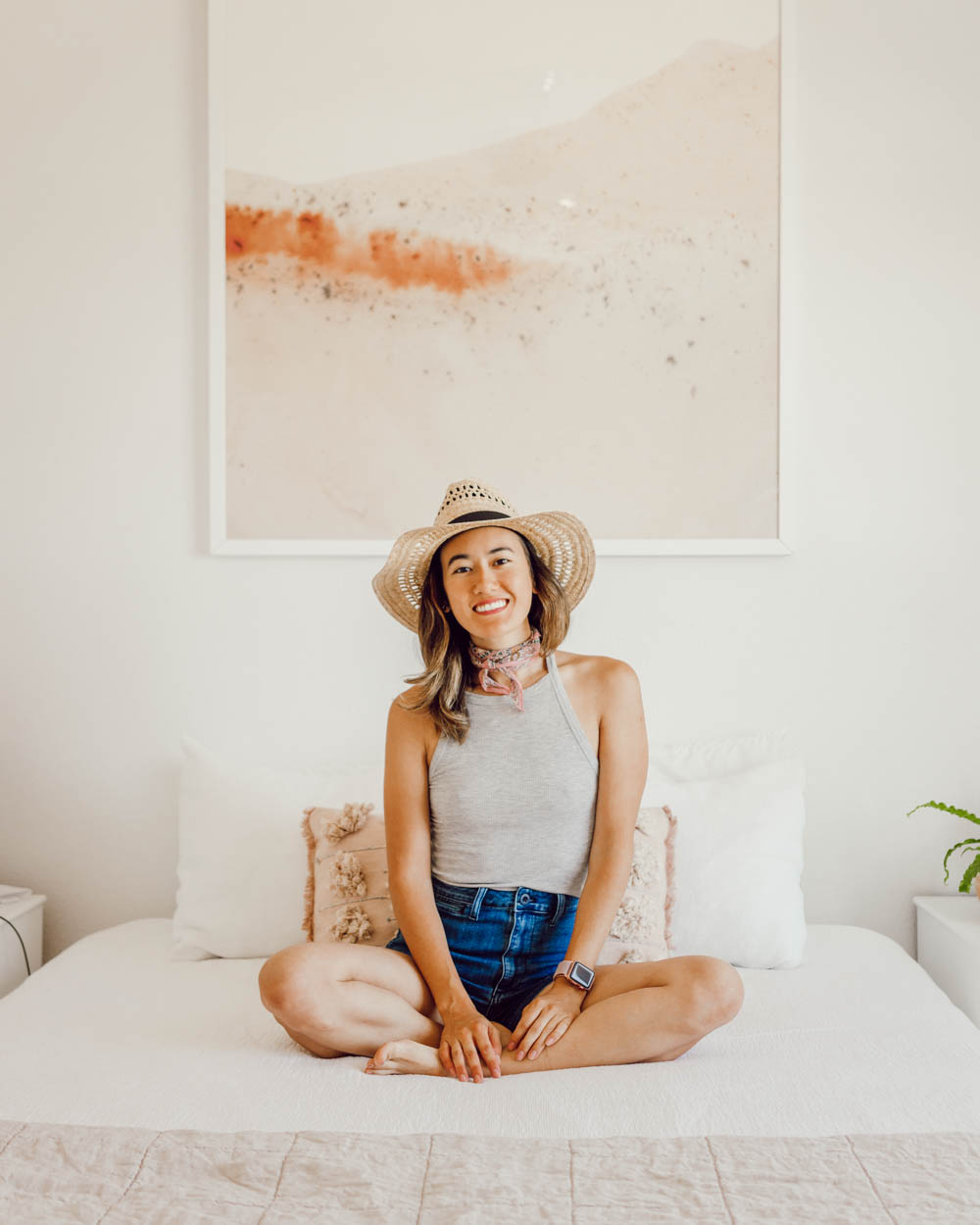 How to keep your memories as a minimalist (without the clutter)   When you're transitioning to minimalism, one of the biggest challenges can be parting with sentimental items that hold special memories. If you're having this struggle, you need to read this post! In it, I share how I've learned to balance preserving my memories with my minimalist lifestyle. It can be done!   Om & the City Blog #omandthecity #minimalism #minimalist #declutter #personaldevelopment #minimalismtips