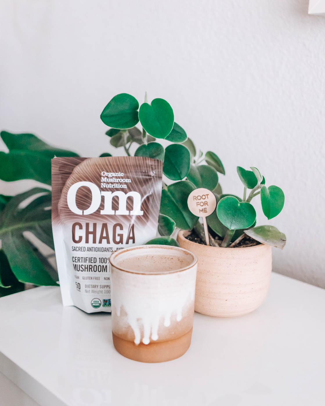 Spiced Chaga Mushroom Latte Recipe + Health Benefits | Try this nutrient-dense chaga mushroom adaptogen latte. Research has found it is anti-inflammatory, fights viruses, boosts immune system. | Om & The City Blog #omandthecity #chagalatte #chagahotchocolate #healthyliving #dailyroutine